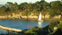 Light, bright apartment with wonderful view of Douarnenez Bay