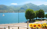 Lovely very spacious apartment with Lake View