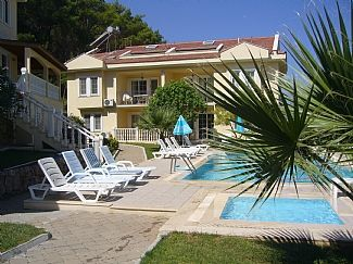 Photo for Apartment In A Small Complex With 2 Pools, Peaceful Location