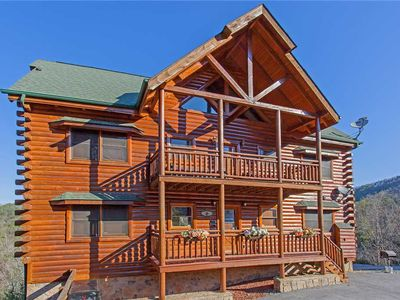 Photo for Bit O'Honey|Mountain Vistas|Comfortable Stay for Group|Close to Pigeon Forge & Gatlinburg|2 Hot Tubs