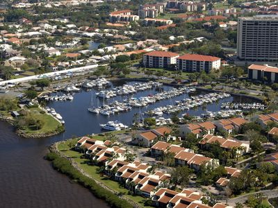 Photo for Beautiful Resort Condo In Waterfront Community