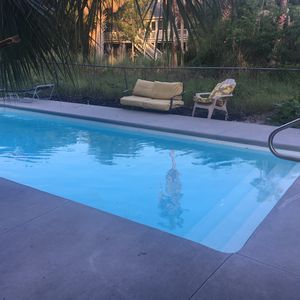 Photo for Folly Beach! Closest Beach to Charleston. 5 Min. walk to Ocean/downtown. Pool.