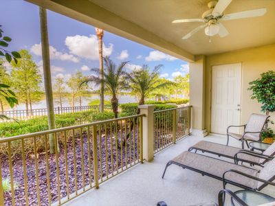 Photo for Luxurious three bedroom lakeview condo!