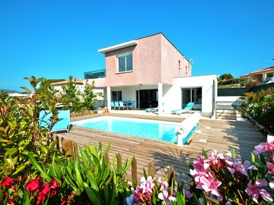 Photo for VILLA ALOHA: Contemporary villa with heated pool in Fréjus, Côte d'Azur