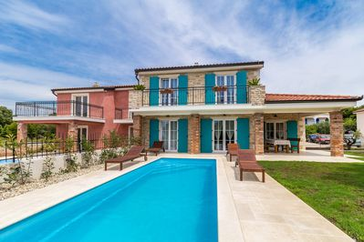 Beautiful luxurious holiday home - private pool, balcony with sea view, garden area - 2