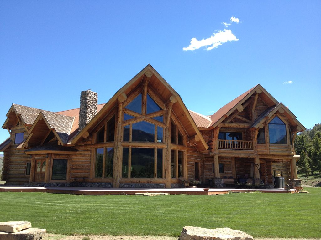 Log lodge family friendly near yellowston vrbo for Yellowstone log cabin hotel