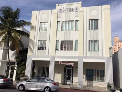 Photo for 7TH Collins 2BD/1BA SOBE 1 BLOCK TO BEACH