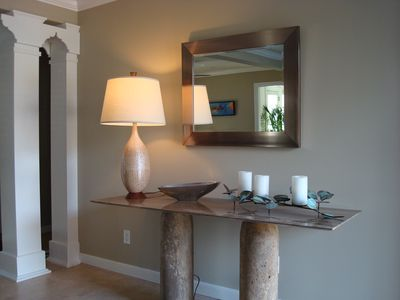 Photo for Lovely Contemporary Apartment 2 levels, Walk to Everything