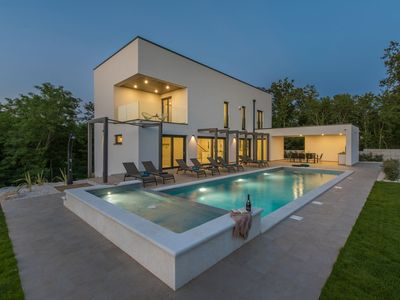 Photo for Luxury villa with swimming pool, children's pool, wellness, privacy, outdoor kitchen, Poreč 10 km