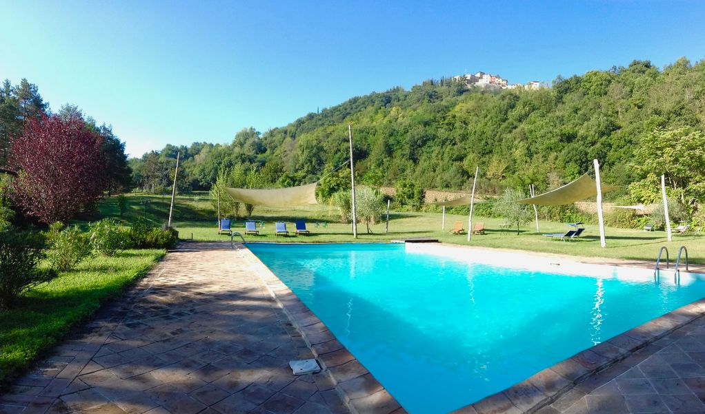 AGRITURISMO L\'ARIETE: Country house with large pool & private ...