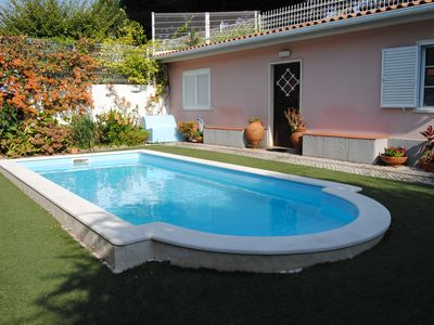 Photo for Villa with Pool and Garden in central Lisbon
