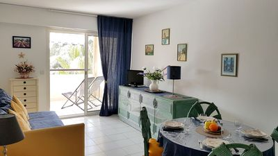 Photo for 2 * for this beautiful sunny apartment in a Resi. standing with swimming pool