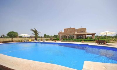 Photo for Large country house for 18 people with air conditioning and pool