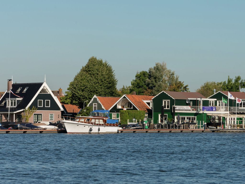 HA 6807248 on Amsterdam Houseboat Rental