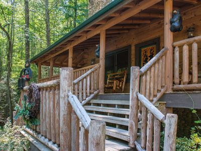 Photo for Family-friendly cabin home w/private hot tub, Jacuzzi tub.