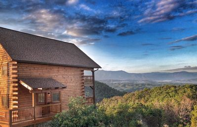 What a stunning morning view! Majestic unobstructed views of Mt LeConte.