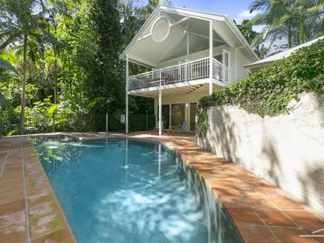 Search 770 holiday rentals