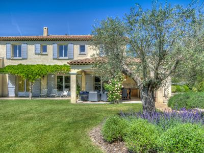 Photo for Splendid Provencal Villa with Air-Conditoning, Heated Pool and Outside kitchen