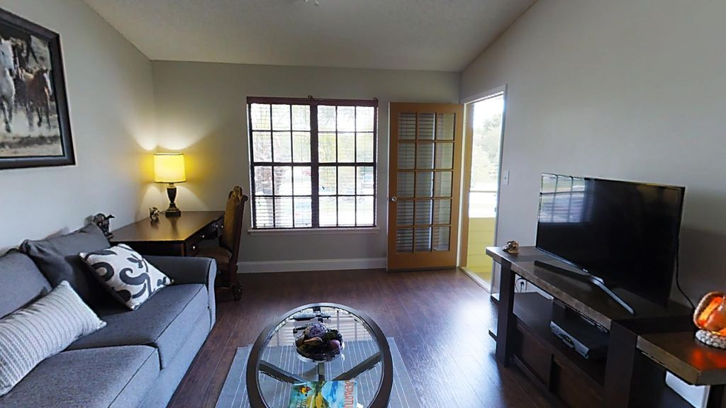 Gated community luxury new designer remodeled condo minutes from parks