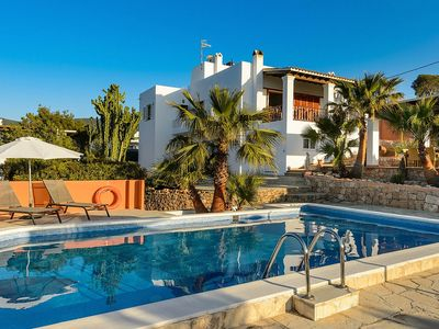 Photo for Nice and Cosy House with Private Pool and Beautiful Sea Views !