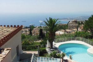 Photo for 5 bedroom Villa, sleeps 9 in Taormina with Pool, Air Con and WiFi