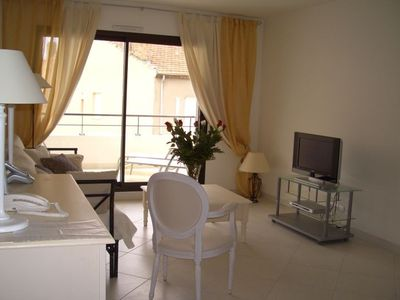 Photo for Luxury 3 bedroom apartment - 3 mins from Palais