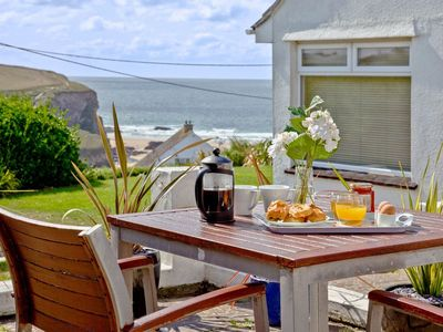 Photo for 1 bedroom accommodation in Mawgan Porth