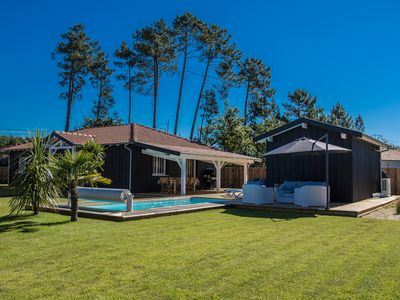 Photo for villa without overlooked heated pool spa terrace shutter 170 meters