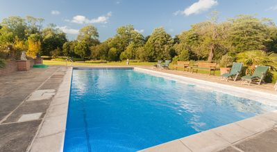 Heated outdoor swimming pool (April- October)