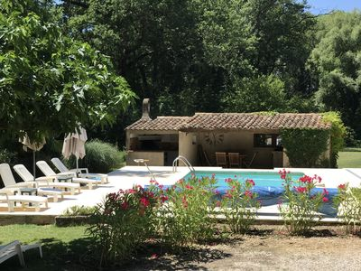 Photo for Charming, provencale villa with private pool on the outskirts of Bedoin,Vaucluse