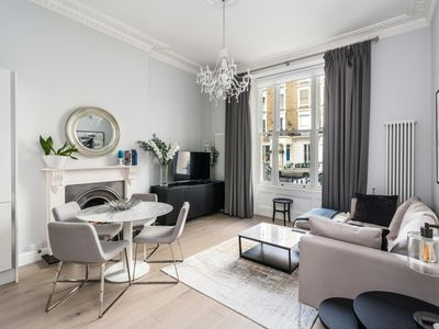 Photo for Stunning 2BD Flat Notting Hill Heart of Westend