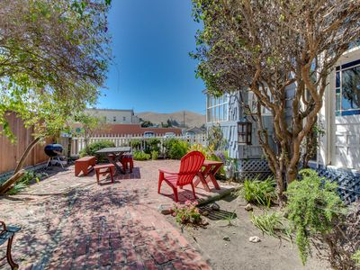 Photo for Charming Cayucos main floor duplex near town and beach, patio, free WiFi!