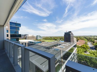 Photo for Pride Fawkner Apartments Bay-view (LXII)Family holiday F1 close to Albert park