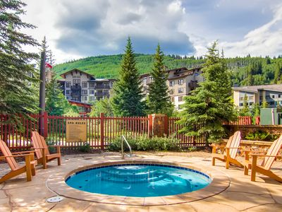Photo for Heart of Coppers Center - Newer Condo, Steps from Lifts, Restaurants & Hot tub