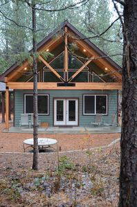 Steps away from the Methow Valley Sports Trail!