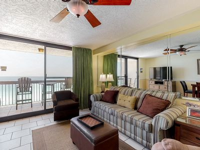 Photo for 15th Floor Comfortable Condo, Splash pad w/ multiple pools, On-site bar