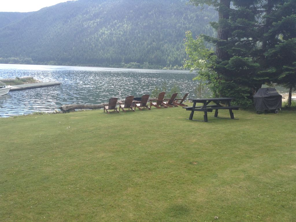 Lakefront Cottage On Kootenay Lake Nelson Kootenay