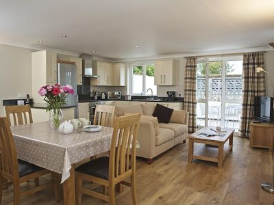 Photo for 4 WEST PARK MEWS, pet friendly in Hope Cove, Ref 995090