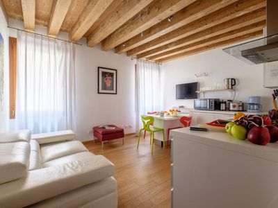 Photo for Modern stylish flat at the beginning of the Castello quarter, Salizada San Lio