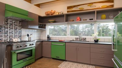 "Fully equipped Kitchen with state of art ""retro' appliances."