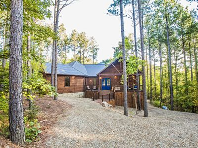 Photo for 3BR Lodge Vacation Rental in Broken Bow, Oklahoma