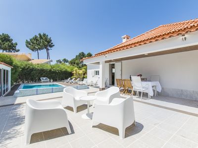Photo for 3 bedroom Villa, sleeps 9 with Pool and FREE WiFi