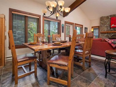 JHRL - Slope-side Rendezvous C4 condo, steps from Hot tub, sleeps 9