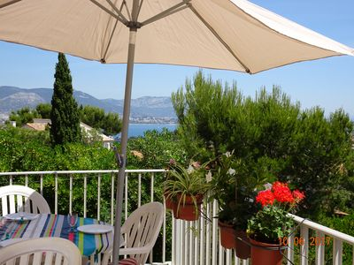 Photo for Sea view. Large apartment in villa near sea. Saint-Mandrier. VAR