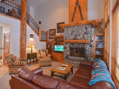 Photo for 15 Aquila Lodge: 3 BR / 2.5 BA townhome in Sunriver, Sleeps 6