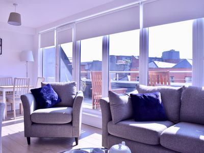 Photo for Spacious 2 Bedroom Apartment in Central Dublin