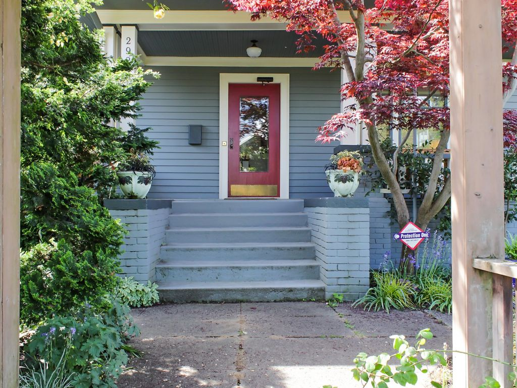Perfectly located north-facing Queen Anne h... - VRBO