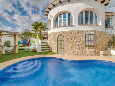 Photo for Spacious ocean-view villa w/ private swimming pool ideal for your next vacation!