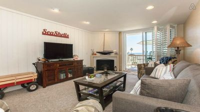 Stunning ocean views beach balcony 10 min to LEGOLAND CA King bed,pool and grill