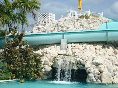 Beautiful 1 bd +, sleeps 6, oceanside in Freeport, Bahamas